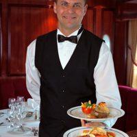 Selbstständiger Kellner/Serviererin als Gastronomie-Aushilfe, Urlaubsvertretung a. Zeit in Sylt mit Rechnung*