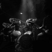 Freiberuflicher Musiker/ Schlagzeuger(in) für Rockband im Raum Schwaben als Aushilfe auf Rechnung gesucht*