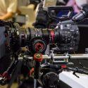 Filmproduktion in Potsdam sucht freiberufliche Cutterin u. Kamerafrau als Zeitaushilfe auf Honorarbasis*