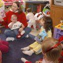 Tagesmutter, Kinderfrau, Tagesvater, Kindergärtnerin, Leihoma im Raum Stuttgart Aushilfe und Vertretung Rechg*